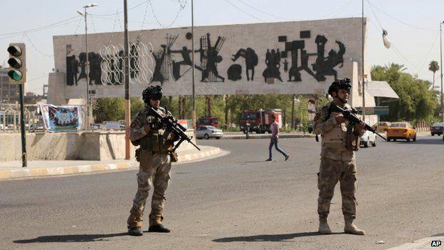 Soldiers in Baghdad (16 June 2014)