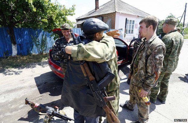 Rebel fighters in Siversk, near Krasnyy Liman, 19 June