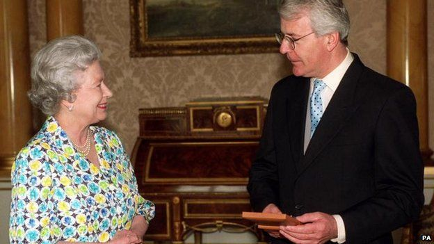 The Queen and John Major in 1999