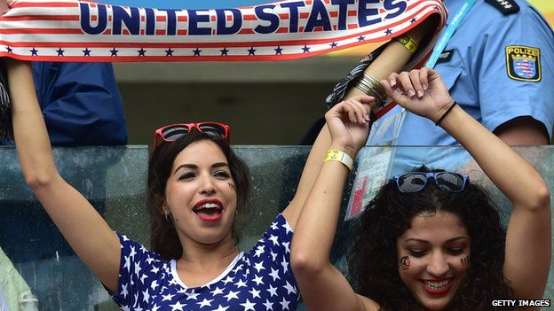 US fans cheering at a game
