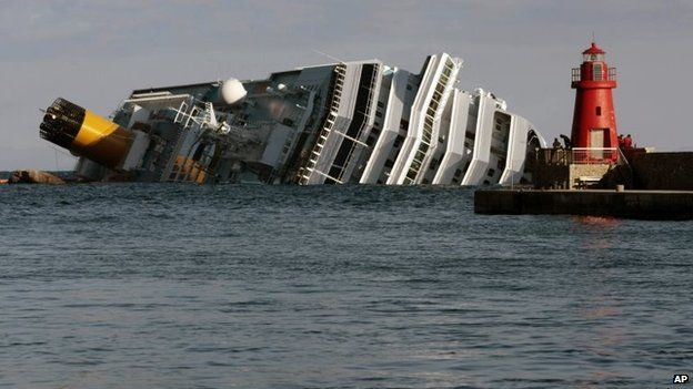 File photo: The Costa Concordia keeled over off Giglio island, 17 January 2012