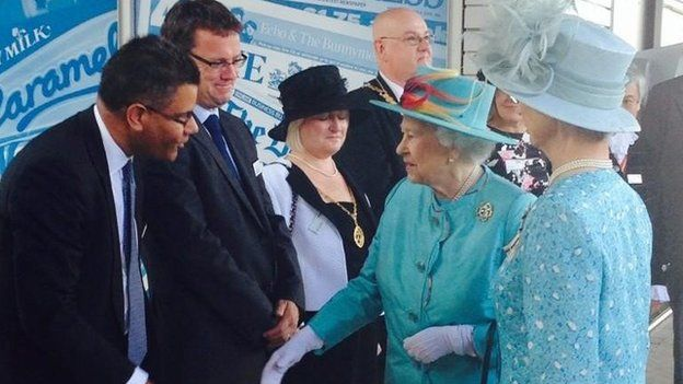 The Queen at Reading Station