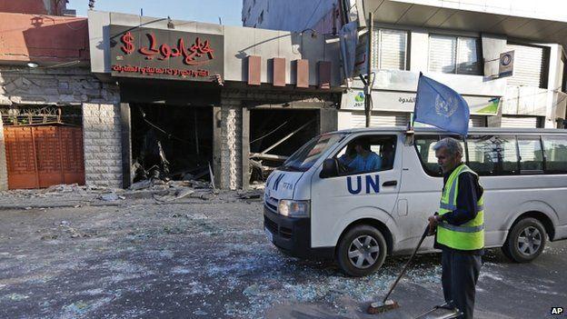 UN vehicle in Gaza City (17 July 2014)