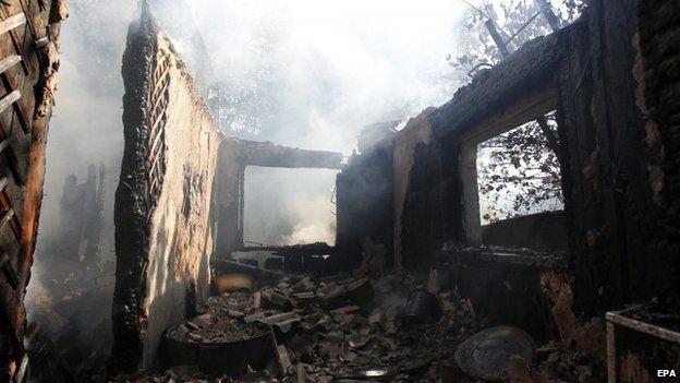 Damaged buildings in Horlivka, 27 July 2014