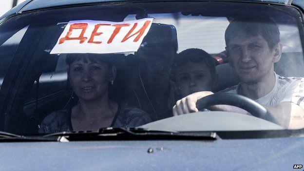 Civilians fleeing in Donetsk