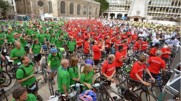 Cyclists gather for the record attempt