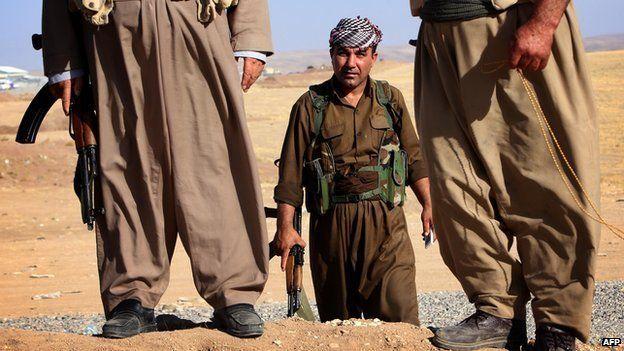 Peshmerga near frontline in Khazer
