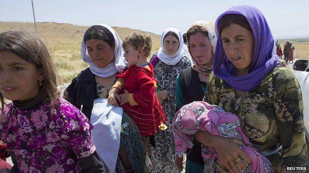 Refugees fleeing violence on the Iraq - Syria border