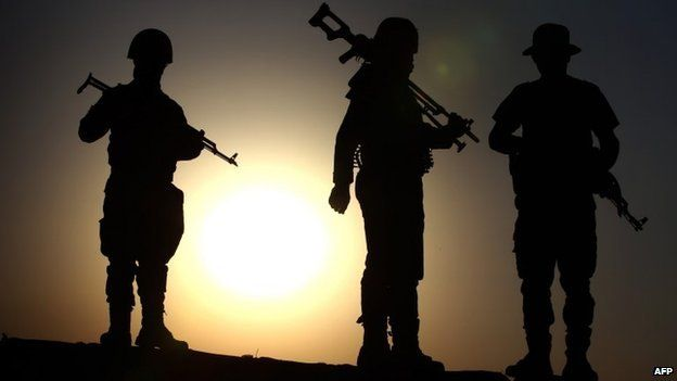 Kurdish Peshmerga fighters take position on the front line in Khazer - 14 August 2014