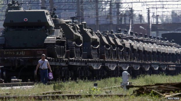 Freight cars loaded with self-propelled howitzers at a railway station in Kamensk-Shakhtinsky, Rostov region, near the border with Ukraine (23 August 2014)