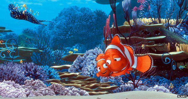 Cartoon Nemo with dad Marvin