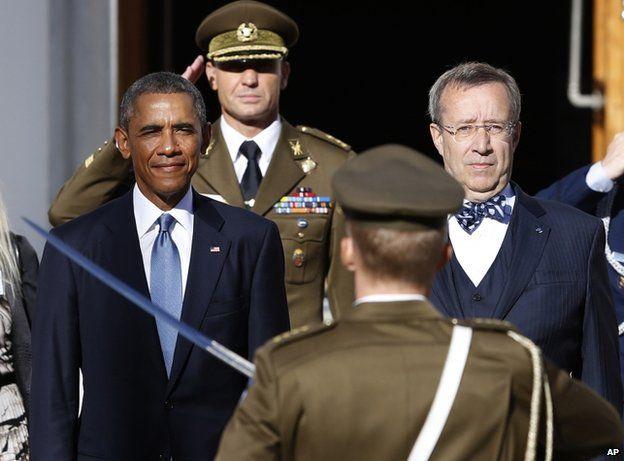 USA President Barack Obama (left) with Estonian President Toomas Hendrik Ilves in Tallinn, 3 September