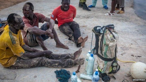 Arrested fishermen with explosives and scuba gear, which is used so scoop up dead fish too deep to capture free diving