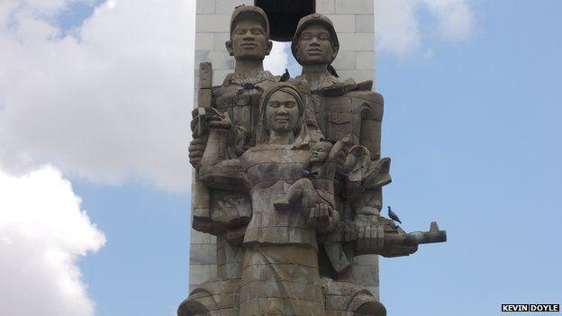 Tượng đài hữu nghị ở Phnom Penh đánh dấu vai trò Việt Nam giúp xóa bỏ chính thể Khmer Đỏ năm 1979