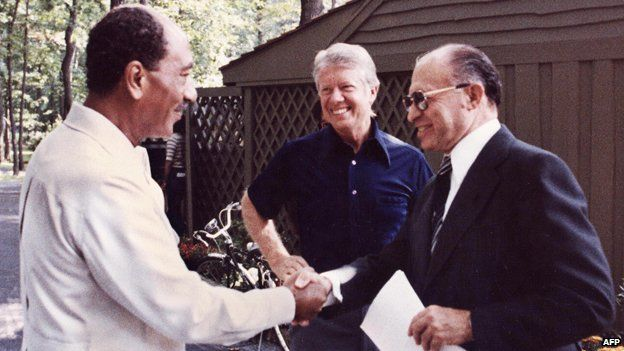 Left to right: Anwar Sadat, Jimmy Carter and Menachem Begin