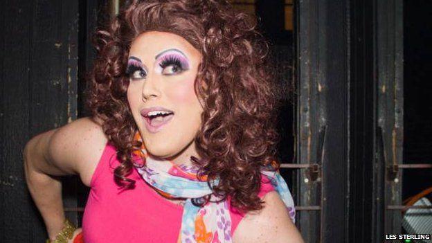 Drag queen Cherry Sur Bete