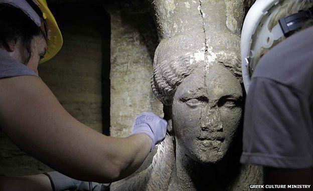 Marble caryatid built from Thasos island
