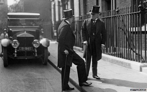 The 1920s British air bombing campaign in Iraq - BBC News