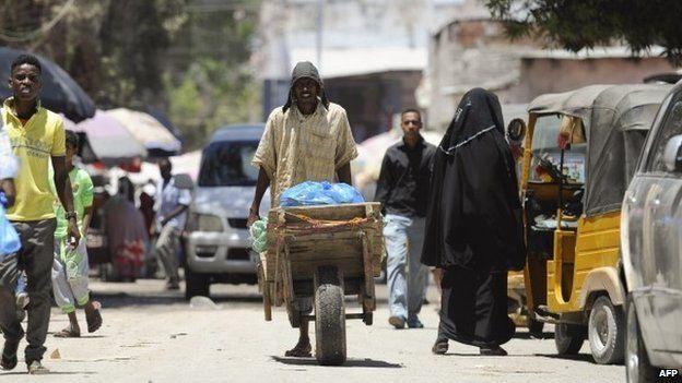 A street scene in Mogadishu, Somalia (3 October 2014)