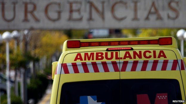 An ambulance enters the emergency area at Alcorcon's hospital, outside Madrid, October 9, 2014
