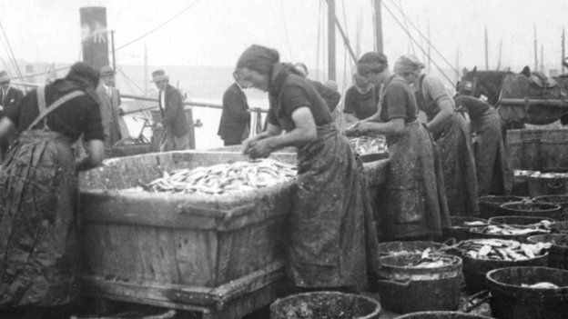 The 'gutter girls' would travel to Ardglass from as far away as Donegal to gut herring as it was delivered by the fishermen