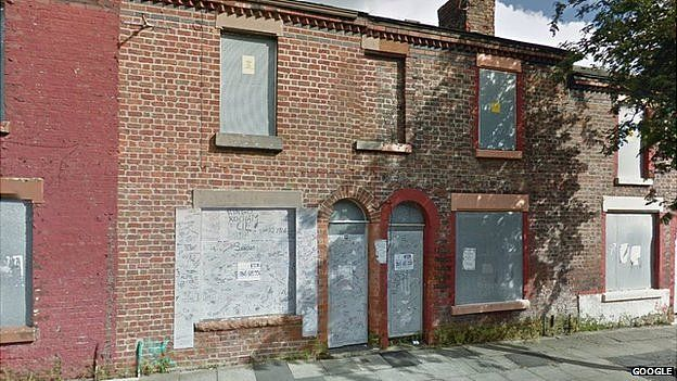 Amazing The Beatles Where Did The Fab Four Live In Liverpool Bbc Home Interior And Landscaping Eliaenasavecom