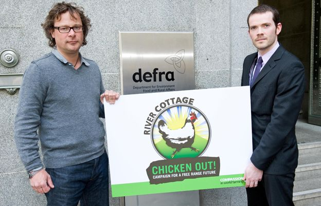 Hugh Fearnley Whittingstall in publicity campaign to promote free-range chicken