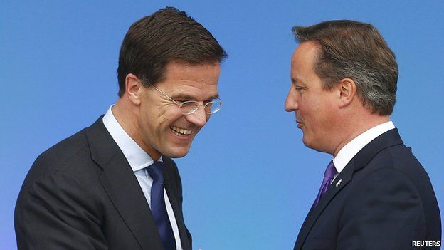 Mark Rutte (l) and David Cameron at the Nato summit near Newport