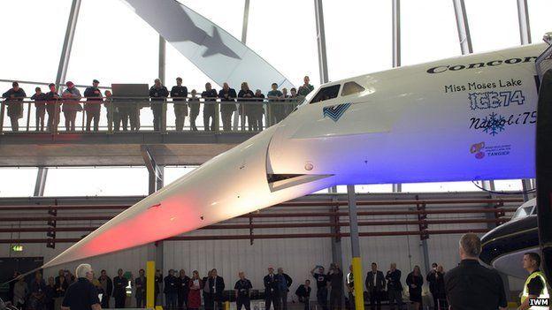 Restored Concorde nose mechanism demonstrated