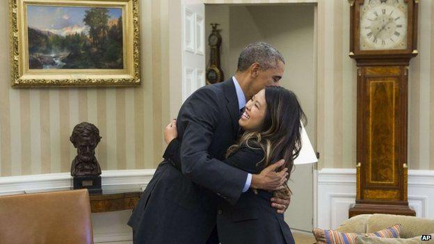 Nina Pham met President Obama in the Oval Office