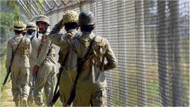 Pakistan border guards near Wagah (file pic, October 2014)