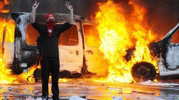 Burning vehicles in Brussels, 6 Nov 14