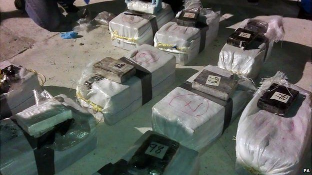 Cocaine seized by French customs vessels from yacht SY Hygeia of Halsa