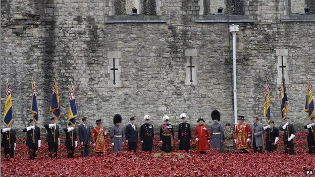 The last poppy is planted at the Tower of London