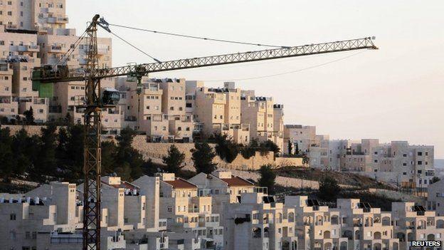 Crane at Har Homa settlement in occupied East Jerusalem (January 2014)