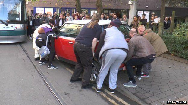Group lifting car