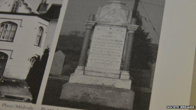 Edward Stirling's grave in old photo