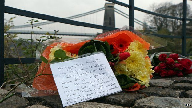 Floral tribute left near Clifton Suspension Bridge
