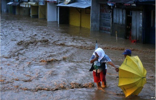 Floodwater in Borongan City, Philippines (7 Dec 2014)