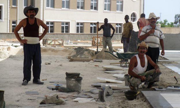 Turkish and Somali workmen in Mogadishu