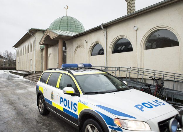 Police car/Uppsala mosque