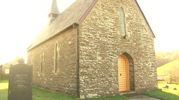 Eglwys Tregroes