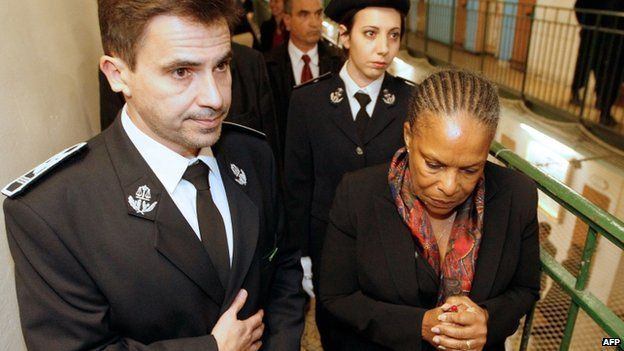 Justice Minister Christiane Taubira visits a prison at Fresnes (13 January)