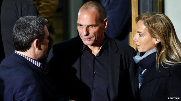 Yanis Varoufakis (C)