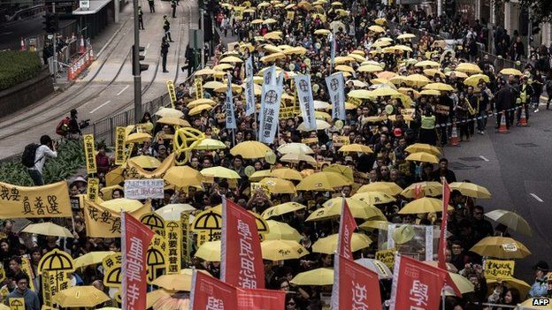 Demonstrators march for democracy in Hong Kong (01 February 2015)