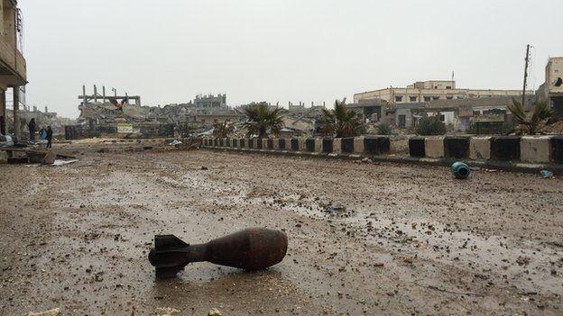 Mortar bomb in Kobane (January 2015)