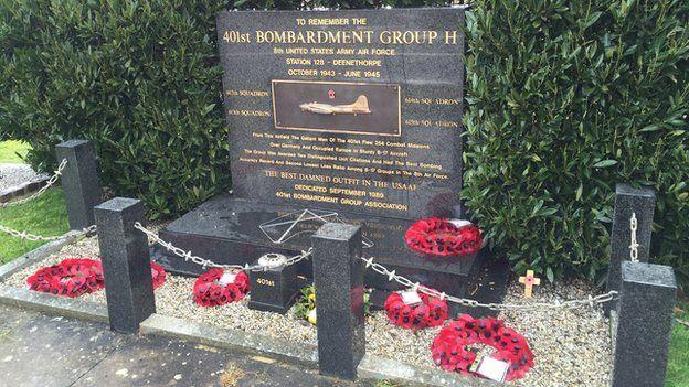 Memorial to American air force dead at Deenethorpe Airfield