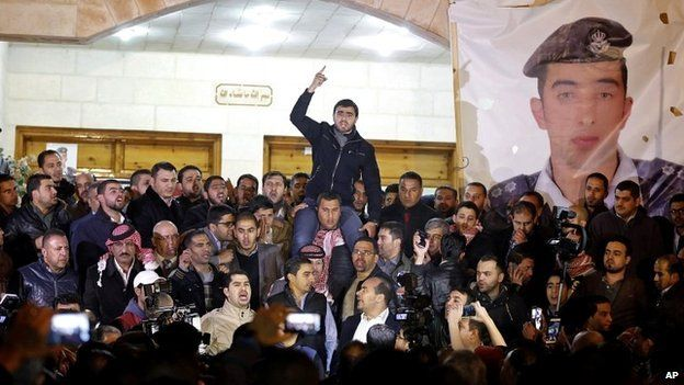 Supporters and family members of Jordanian pilot Moaz al-Kasasbeh express their anger at news of his killing in Amman - 3 February 2015
