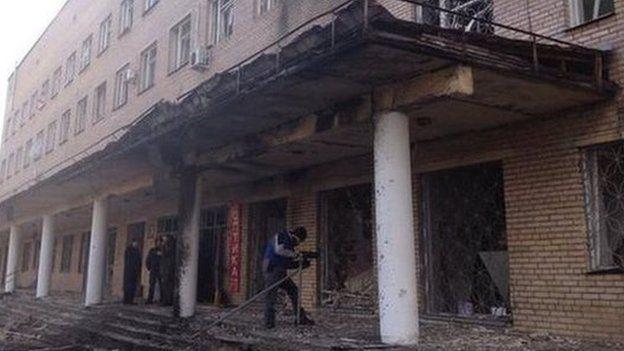 Damage to hospital in Donetsk (4 Feb pic by Olga Ivshina, BBC)