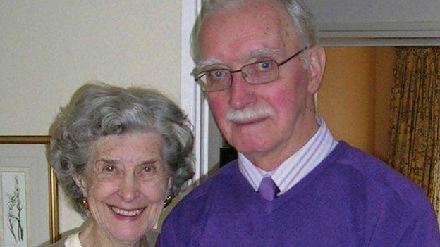 Joyce a Denis Drew